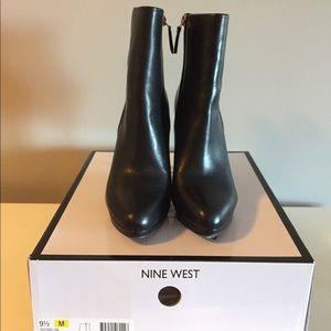 Nine West Quanette black bootie BNIB size 9.5